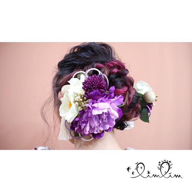 1月12日に成人式のセットをさせていただいたお客様です!・インナーカラーのピンクを黒い地毛に編み込んだことでとても色っぽいお仕上がりになりました髪飾りとの相性も抜群です!?・リムリムでは2021年の成人式の御予約もすでに承っております!着付け、メイク、セット可能です!気になる方はお気軽にお問い合わせください?♀️・#福井県美容室 #福井美容室 #越前市美容室 #越前美容室 #武生美容室 #鯖江市美容室#美容室 #リムリム #limlim #ヘアスタイル #ヘアアレンジ #ヘアーアトリエ リムリム #着付け #福井着付け #福井着付けできる美容室 #福井成人式 #福井成人式予約